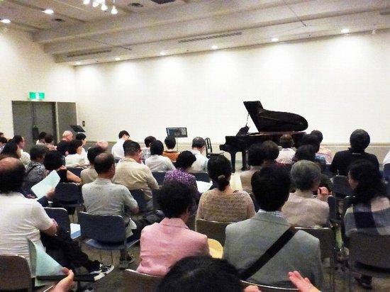#04演奏ホール・ローズルーム開演5分前P052.jpg