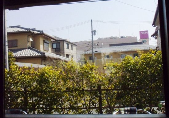#04G3546窓からイオンが見える.jpg