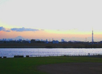 #06梅雨明け2日の富士山と東京スカイツリーT.jpg