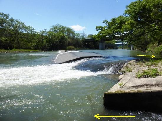#07四ッ谷堰から取水口への流入路四ツ谷用水関連施設009.jpg