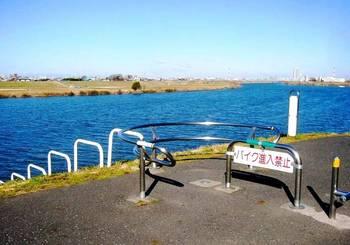 #07江戸川上流方向を望む.jpg
