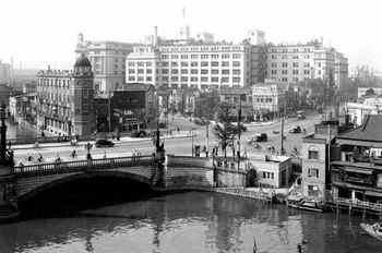 #08日本橋と三越本店(1935年).jpg