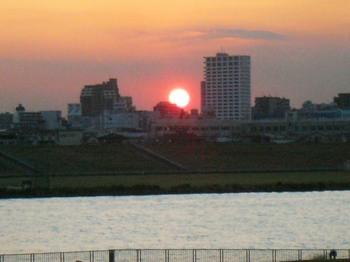 #08梅雨明け7日日没(市川南4丁目先から).jpg