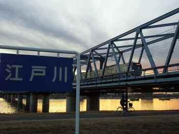 #11ダイヤモンド富士・東西線鉄橋183.jpg