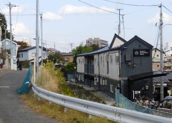 #32四谷用水・八幡2-13-12・14時05分E.jpg