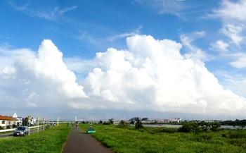 #H230824市原上空の積乱雲.jpg