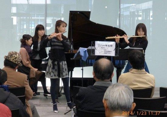 B07P099ランチタイムコンサート・リハーサル3D.jpg