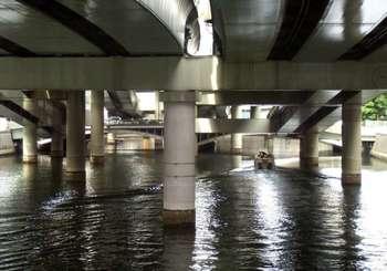 #05日本橋から江戸橋を望む2012年6月13日撮影G1189.jpg