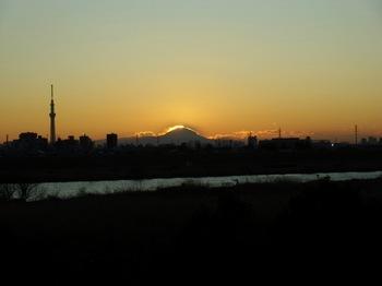 #07里見公園北端から63.jpg