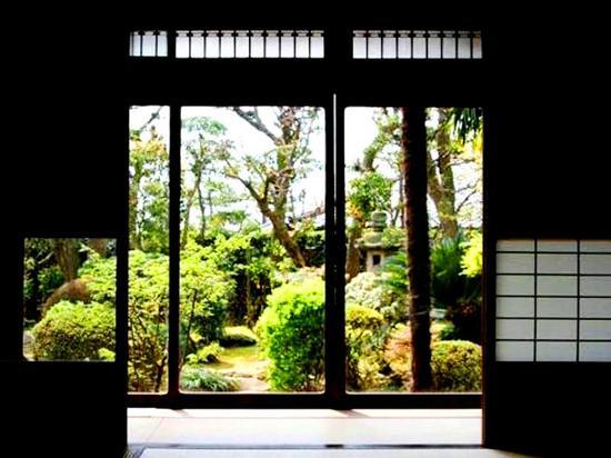 #11旧片桐邸・座敷から庭を・千葉観光WEB.jpg
