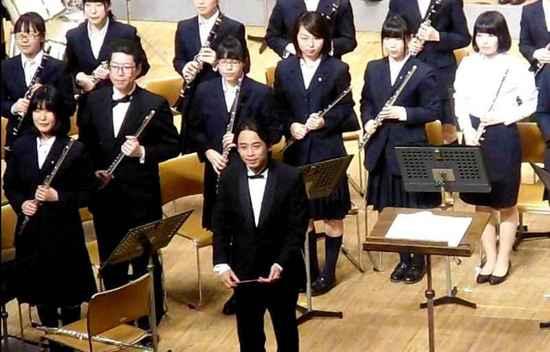 #21&6-10指揮者(客員)須藤信也.jpg