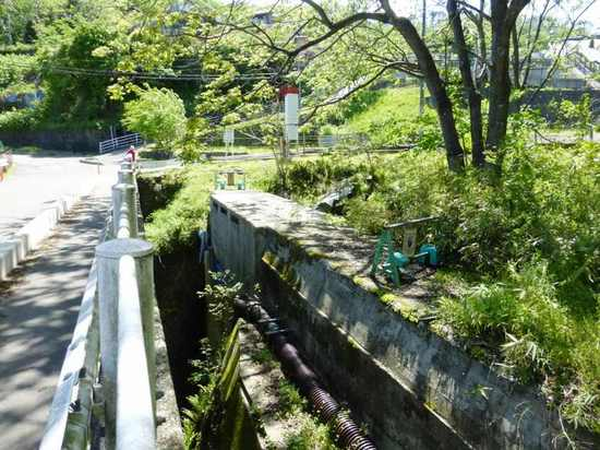 #22聖沢掛樋四ツ谷用水関連施設039B.jpg